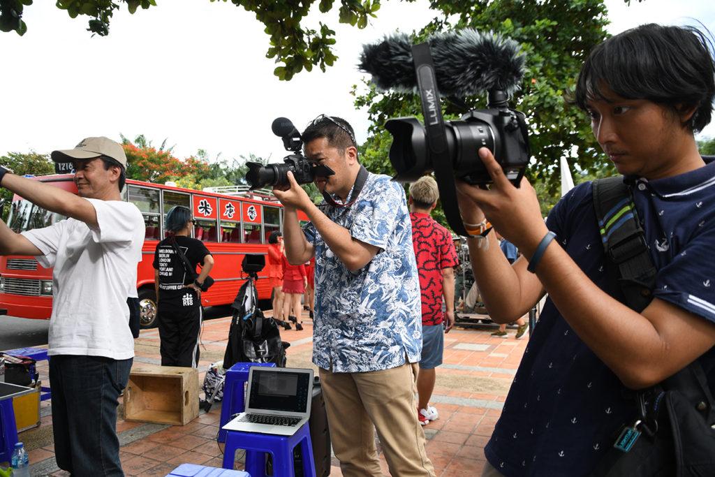 メイキングカメラマンも 国を超えてタッグを組んだ